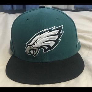 🦅New Era Fitted Eagles Hat🦅